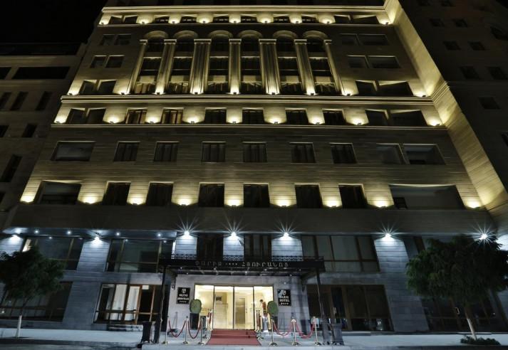 Pogostite.ru - Paris Hotel Yerevan - Париж Ереван - В Центре #2