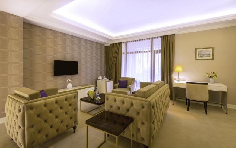 Pogostite.ru - Paris Hotel Yerevan - Париж Ереван - В Центре #31