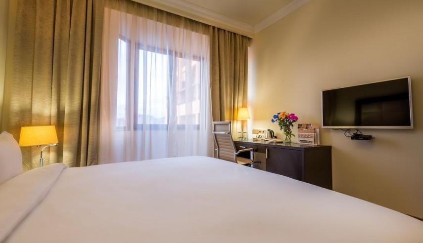 Pogostite.ru - Paris Hotel Yerevan - Париж Ереван - В Центре #24