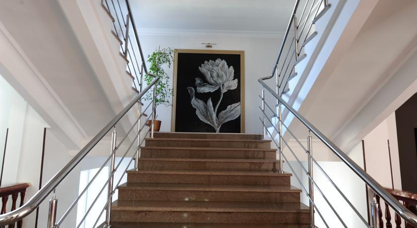Pogostite.ru - ПЛАНЕТА ЛЮКС | г. Владикавказ | ж/д вокзал рядом #10