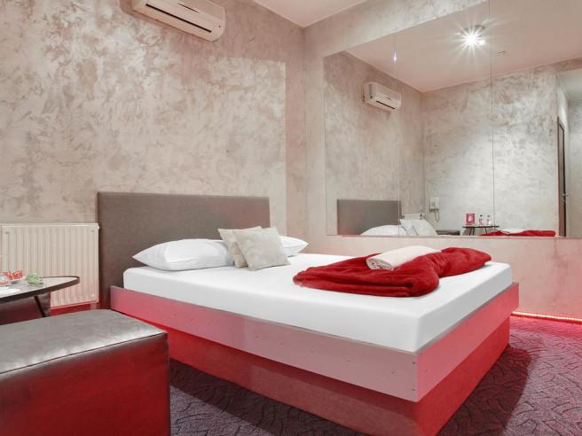 Pogostite.ru - Рандеву Новослободская (Тематический Отель для свиданий с джакузи) #13